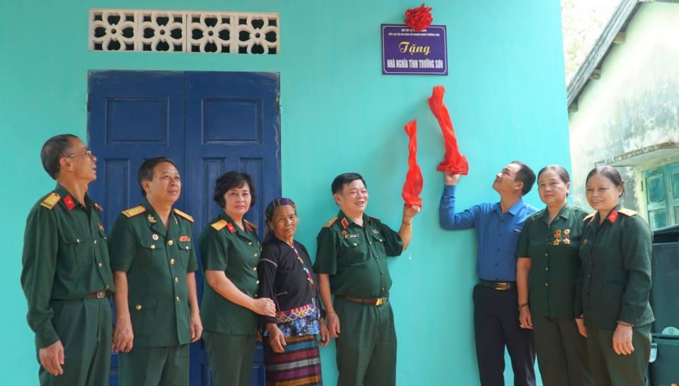 Hội Nữ chiến sỹ Trường Sơn Việt Nam, Câu lạc bộ gia đình Nữ doanh nhân Trường Sơn tặng nhà tình nghĩa tại Lao Bảo, Quảng Trị