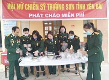 Hội Nữ CSTS tỉnh Yên Bái hoạt động từ thiện tại Bệnh viên Sản nhi