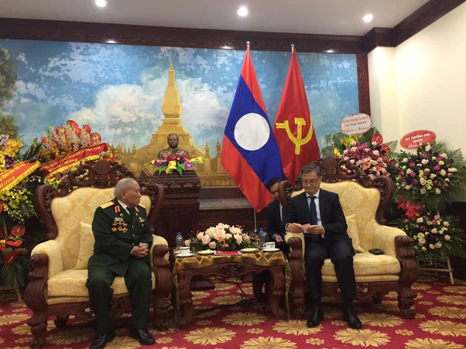 Chúc mừng kỷ niệm 70 năm Ngày thành lập Quân Đội Nhân dân cách mạng Lào