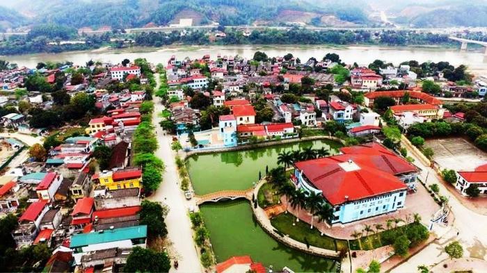 Du ngoạn vùng đất cổ - Quang Chính