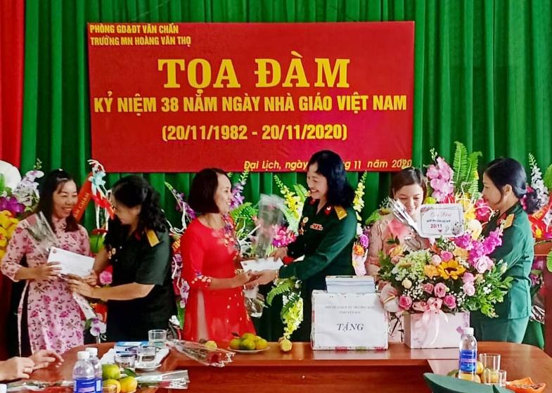 Nữ CSTS tỉnh Yên Bái tọa đàm Ngày Nhà giáo Việt Nam 20/11 với địa phương