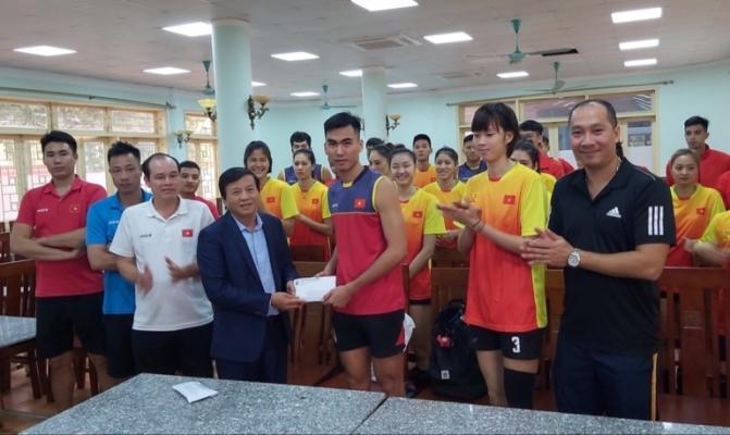 SEA Games 30: Bóng chuyền Việt Nam nhận thưởng trước giờ G