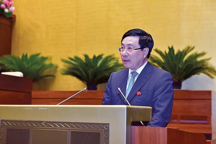 """Phó Thủ tướng Phạm Bình Minh trả lời chất vấn tại Quốc hội: """"Đúng và trúng"""" vấn đề cử tri quan tâm"""