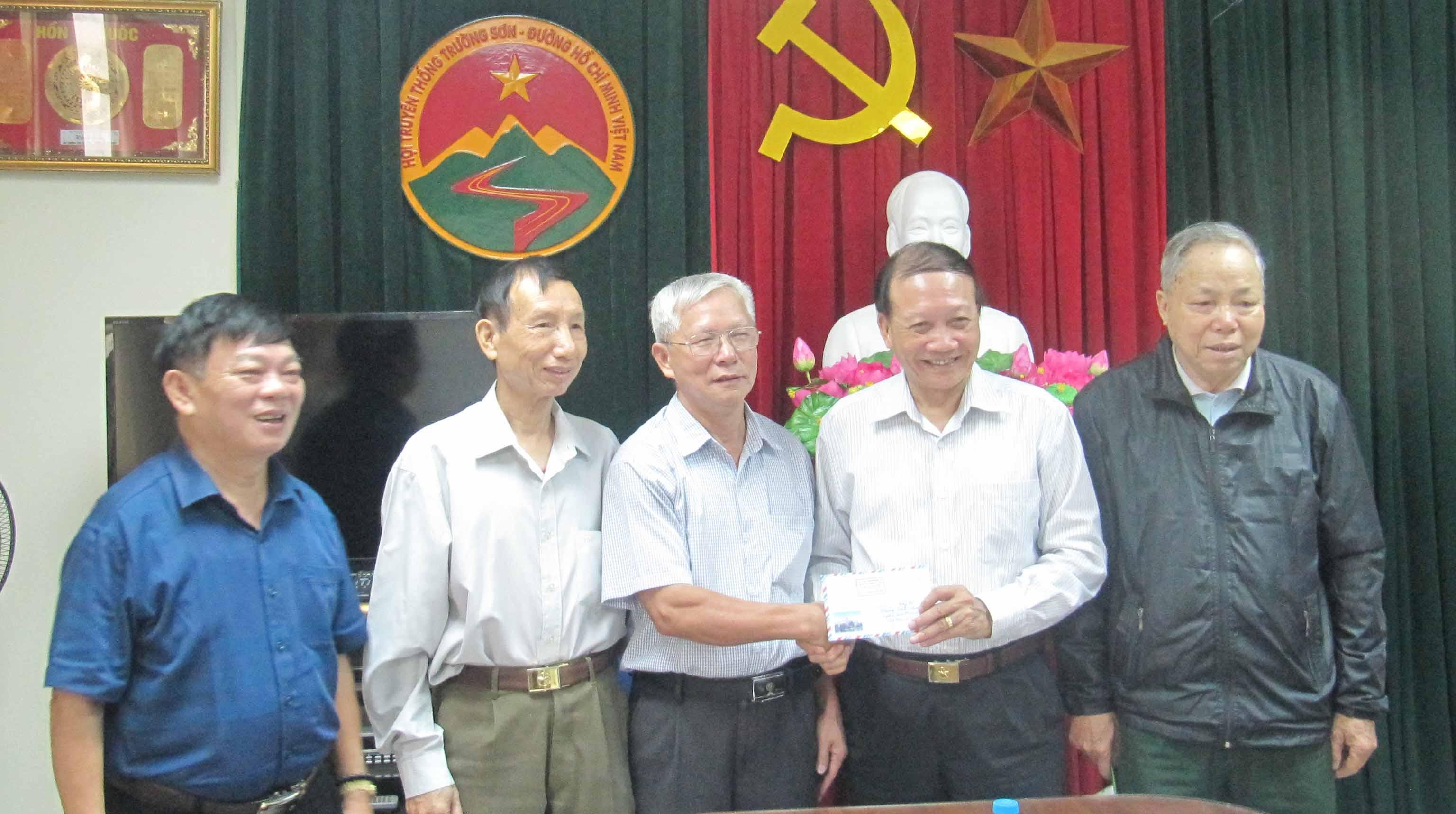Hội TS Ngành Vận chuyển ủng hộ 3 triệu đồng
