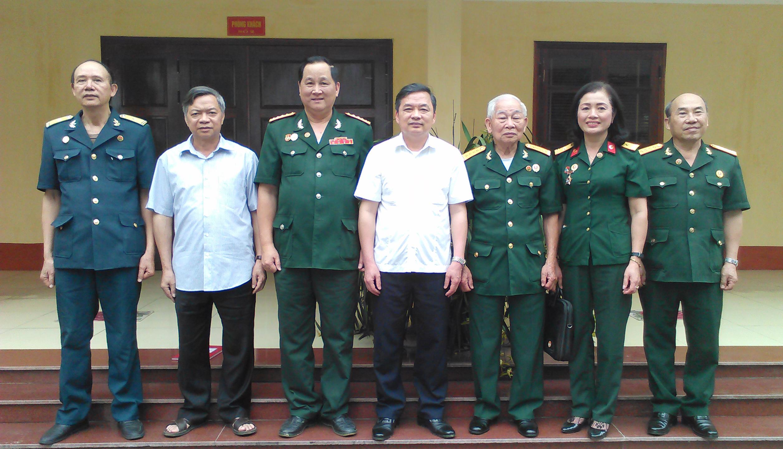 Thường trực tỉnh ủy tỉnh Yên Bái làm việc với Hội Truyền thống Trường Sơn tỉnh