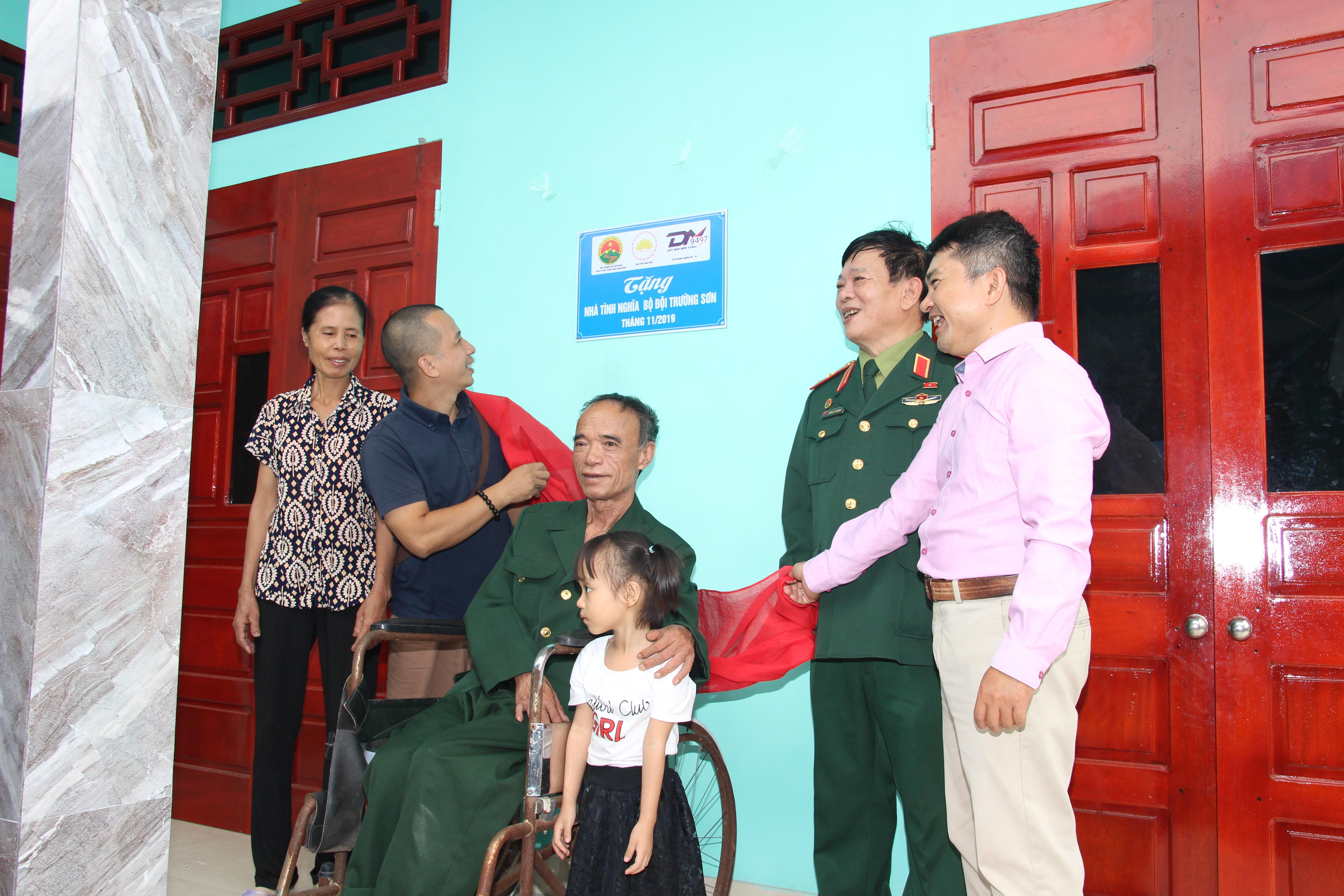 Khánh thành Nhà Tình Nghĩa cựu chiến binh Trường Sơn Lưu Tuấn Đề