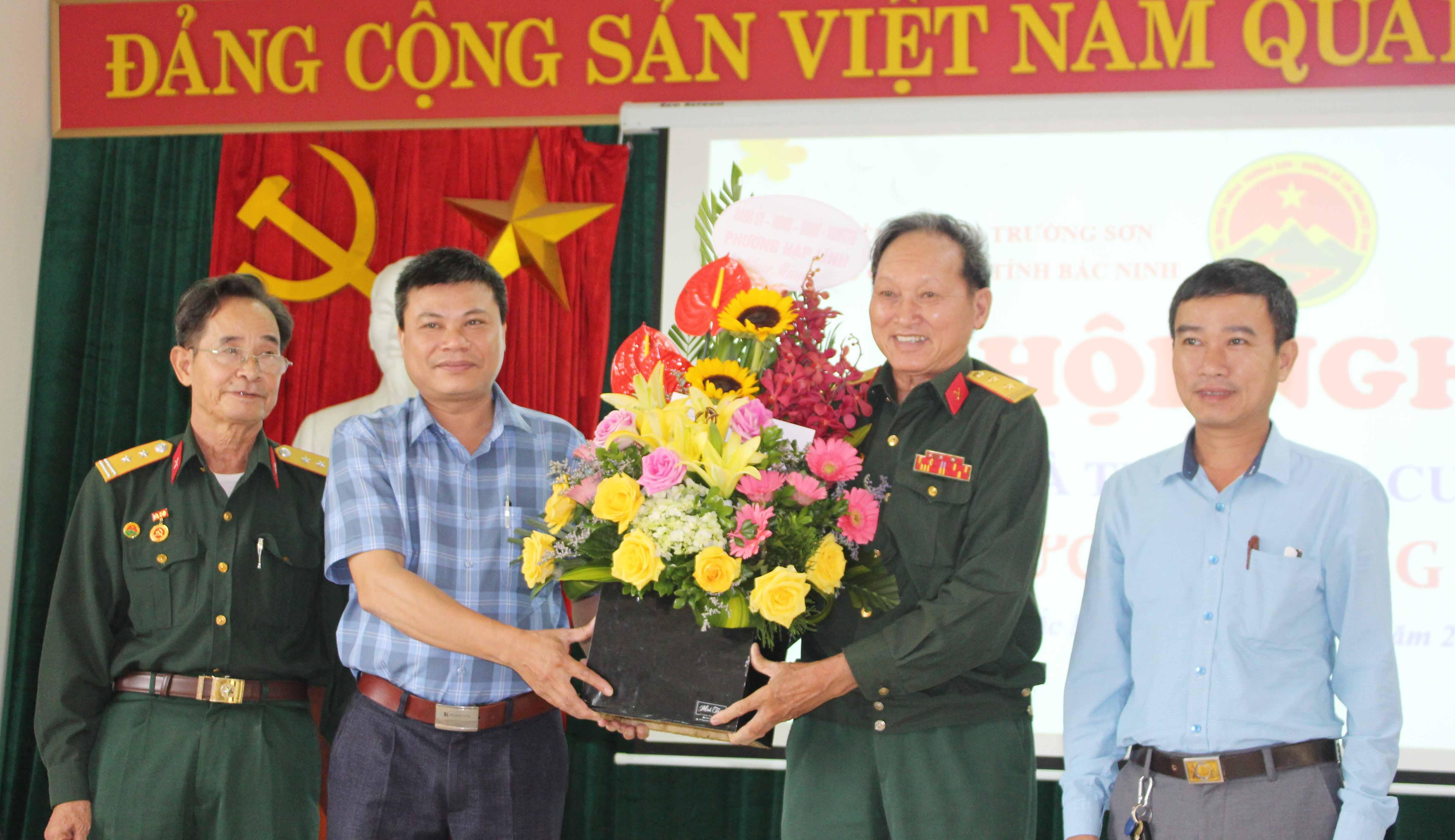 """Hội TS Bắc Ninh tổng kết trao giải cuộc thi """"Ký ức Trường Sơn"""""""
