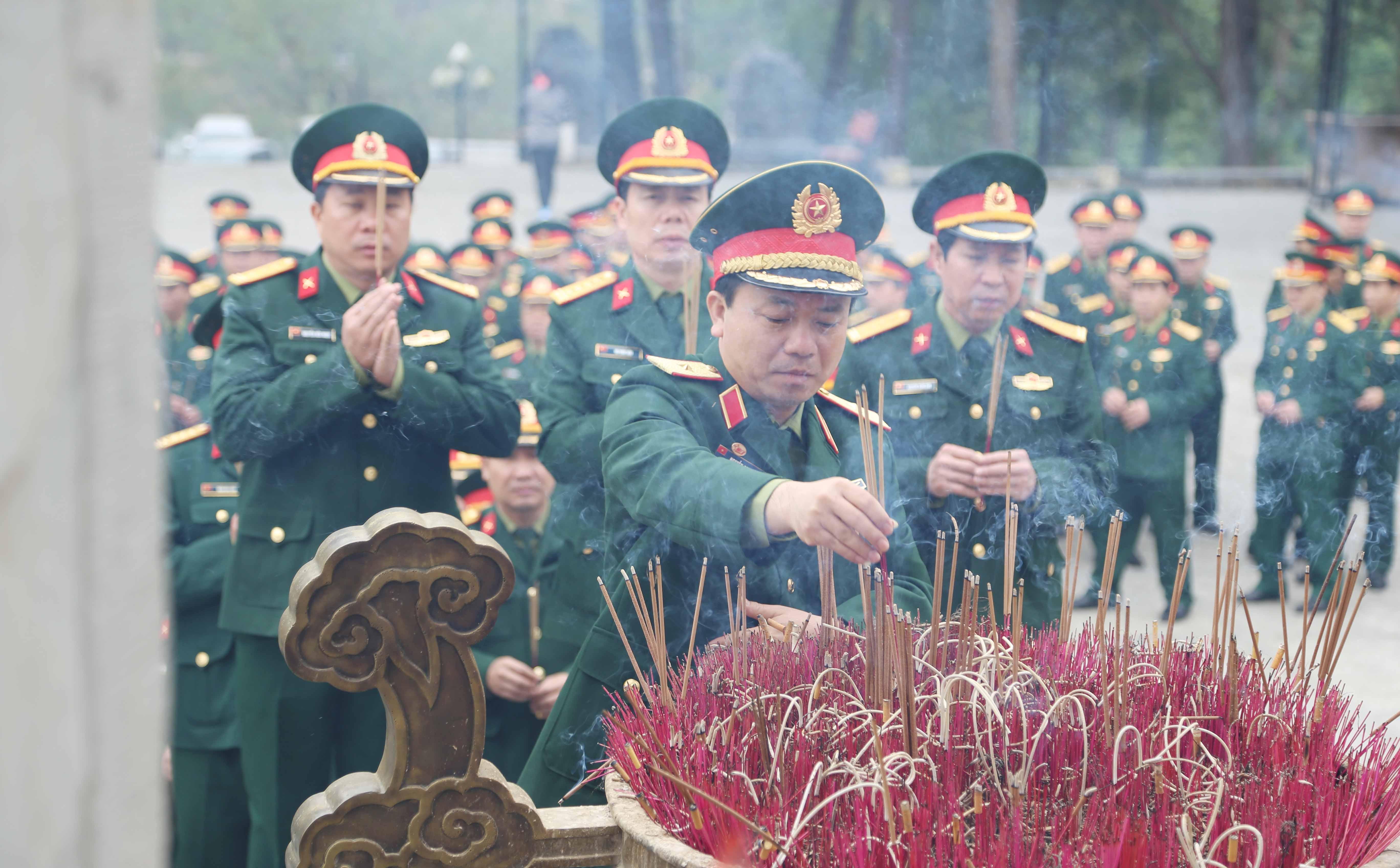 Binh đoàn 12 ra quân sản xuất đầu xuân