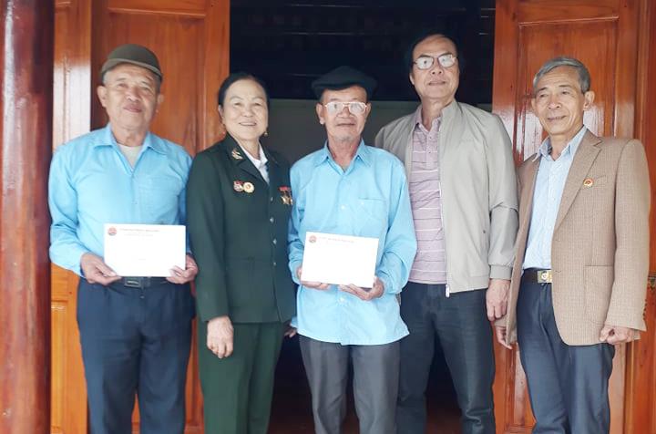 Hội Trường Sơn Thọ Xuân,Thanh Hóa tặng quà tết cho hội viên khó khăn